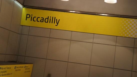 ピカデリー駅